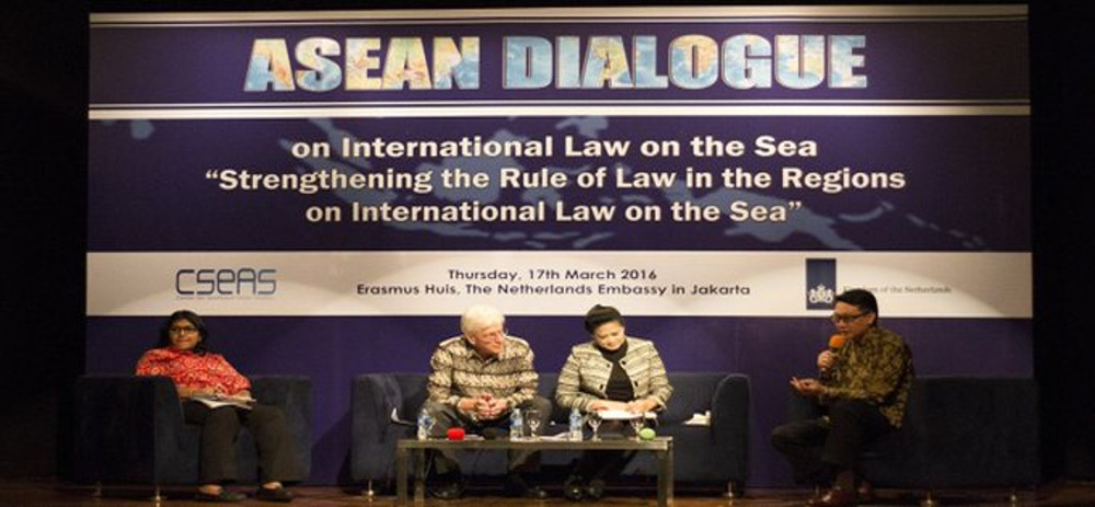 02-ASEAN-Dialogue-on-International-Law-Strengthening-The-Rule-of-Law-in-The-Regions-on-International-Law-on-The-Sea-2016-Erasmus-Huis-The-Netherlands-Embassy-Jakarta_modified.jpg